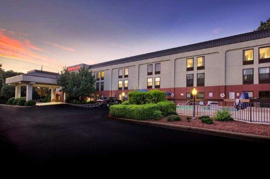 Garner, Carolina del Norte: Hotel Exterior Evening