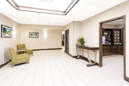 Princeton, WV: Hotel Lobby