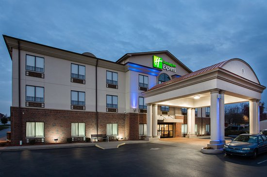 Holiday Inn Express Princeton / I-77: Hotel Exterior
