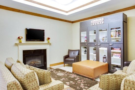 Candlewood Suites Virginia Beach / Norfolk: Hotel Lobby
