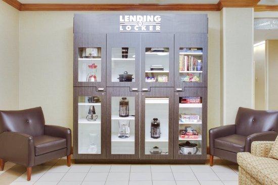 Candlewood Suites Virginia Beach / Norfolk: Lending Locker