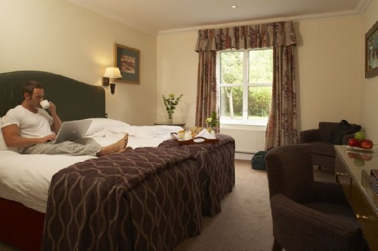 The Charlecote Pheasant Hotel: Standard Bedroom