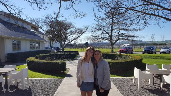 Martinborough, New Zealand: Group visiting Palliser Estate