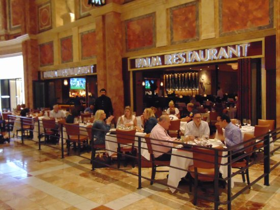 The Palm Las Vegas: patio in the mall