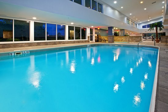 Holiday Inn Express Bedford: Swimming Pool