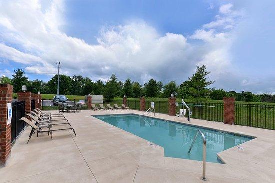 White House, TN: Swimming Pool 3