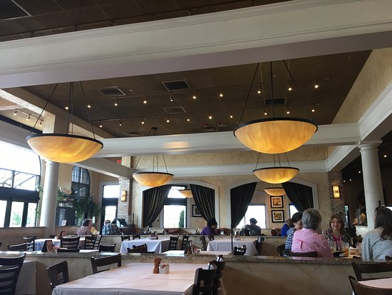 Inside of bravo cucina italiana at bridgestreet picture for Cucina italiana