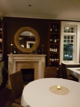 Number 5 Restaurant: Dining Area