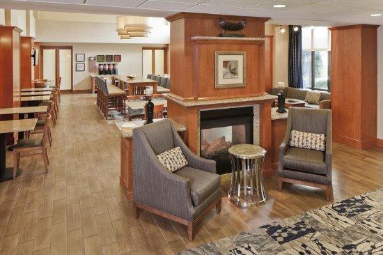 Smithfield, RI: Lobby Seating Area