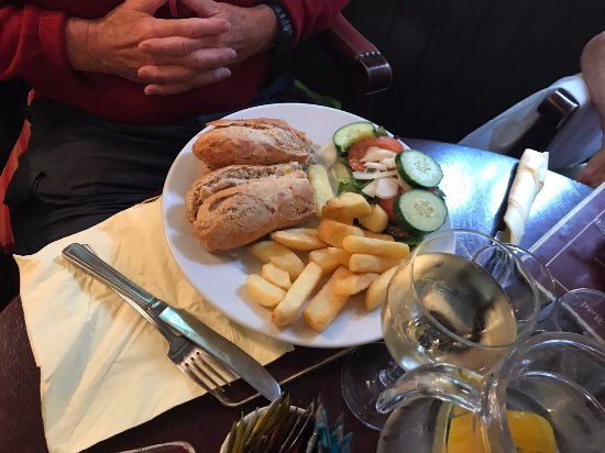 The Crown and Cushion: Tuna Mayonnaise baguette, salad and chips