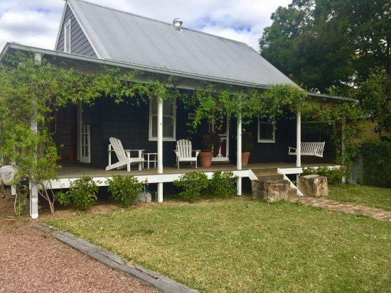 Morpeth, Australia: Front of cottage