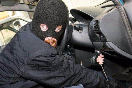 Punta Prosciutto, Italie : Decine di furti d'auto ogni settimana (fonte: Carabinieri di Porto Cesareo)