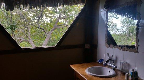 Pangani, تنزانيا: Badezimmer der Bush Banda