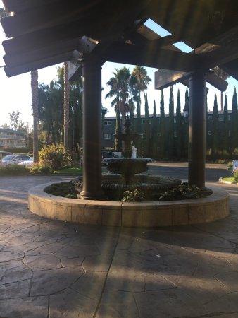 DoubleTree by Hilton Hotel Campbell - Pruneyard Plaza