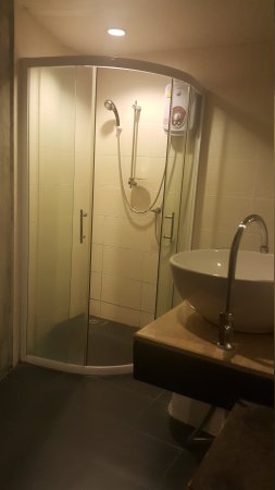 B2 Nimman Premier Hotel: 20170825_215516_large.jpg