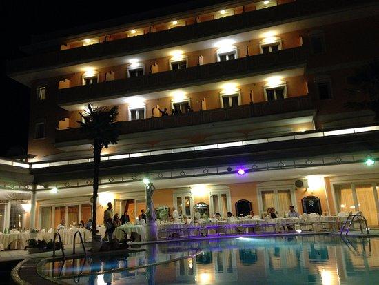 Grand Hotel Osman: imponente come struttura