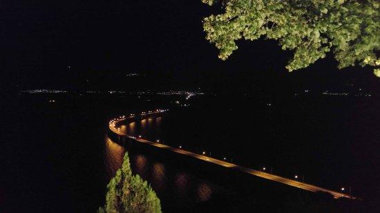 Kozani, Grecia: η γεφυρα πολυφυτου