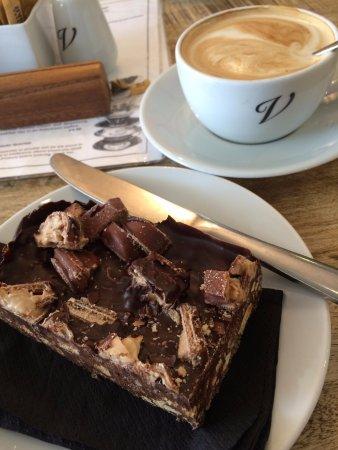 Victoria Coffee House: Coffee and cake