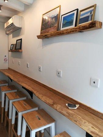 Le bar pour recharger vos batteries et celles de vos compagnons numériques ;)