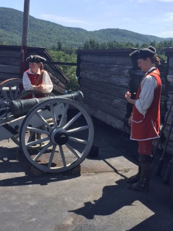 The Fort William Henry Museum & Restoration: Great live demonstration of a cannon firing by two Fort Henry soldiers.