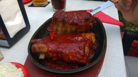 Fat Sam's: Red Hots (HOT!) 16,95 with fries and salad