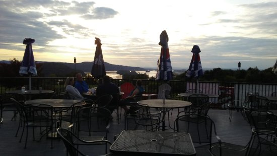 Middletown, Pensilvania: Nice casual place to sit and relax with a few friends and enjoy the gorgeous view!