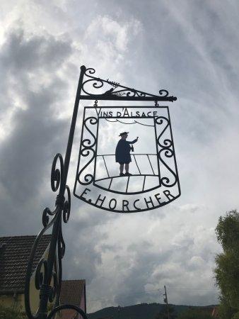 Mittelwihr, Francia: Bord aan de straatkant
