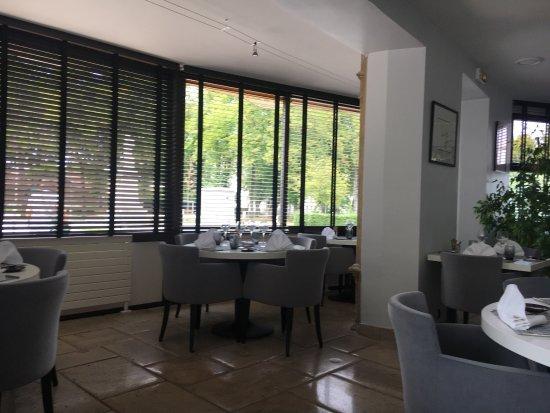 Hotel Restaurant Les Remparts : photo2.jpg