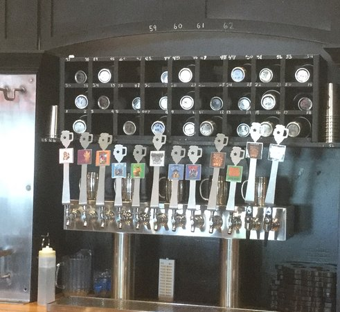 Peoria, IL: Beer on tap.