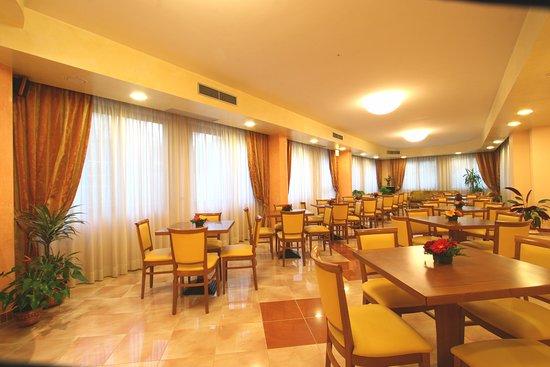 Hotel Villa Luca: Sala colazioni