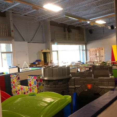 Barrie, Canada: toddler ball pits and mini slides