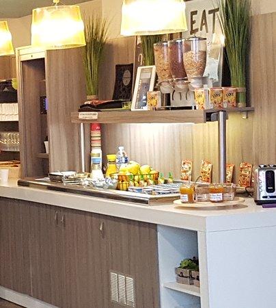 Ibis Styles Saint Gilles Croix de Vie : buffet petit déjeuner
