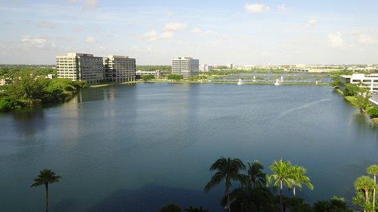 PULLMAN Miami Airport hotel Image