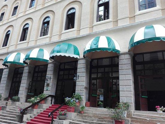 Hotel Royal Terme di Valdieri: Ingresso