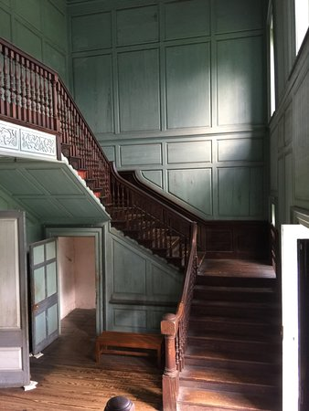 Drayton Hall : You must walk up these stairs to visit the second floor
