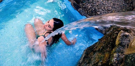 Eljas, España: Piscinas Balinesas exteriores
