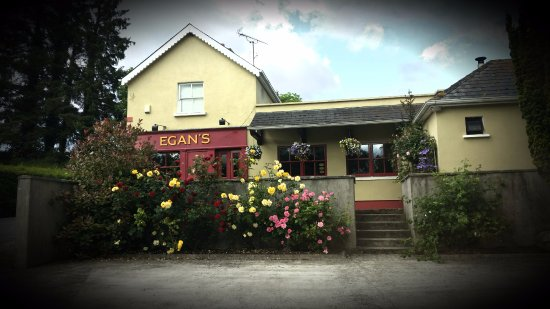 ‪Egans Bar Parkbridge‬