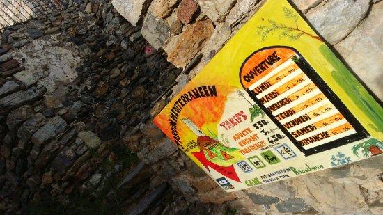 Roquebrun, France: Entrance