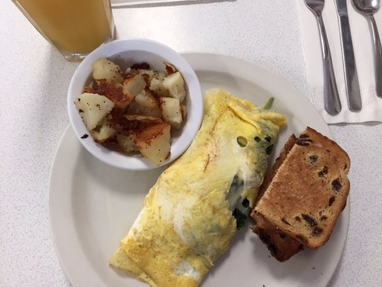 Route 28 Diner: Two-egg omelet with home fries and raisin bread