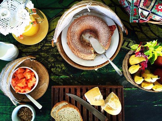 Pousada das Amoras: Café da manhã