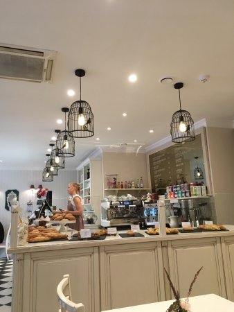 Pinavija Cafe & Bakery: photo3.jpg