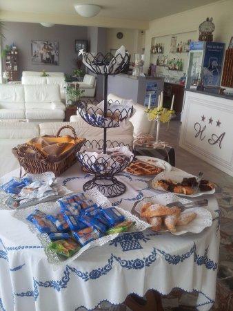 Hotel Alba: Buffet della colazione