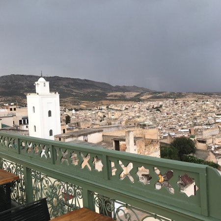 L'Amandier Palais Faraj: Nice restaurant with gorgeous view from the terrace.