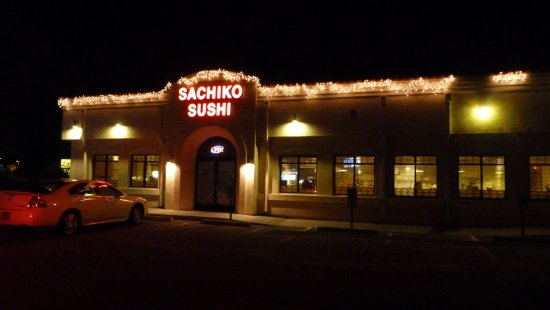 sachiko sushi II: A cheerful facade and plenty of parking.