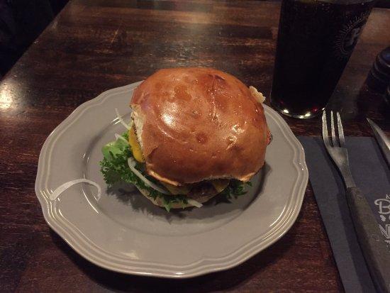 Halifax Kobenhavn K: Lone Star burger med briochebolle (110 kr)