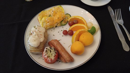 Pendleton House Historic Inn: Breakfast 1