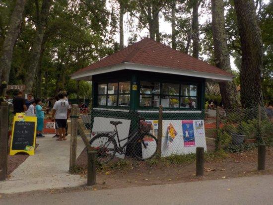 Leon, Frankrike: entrée avec la maison d'accueil