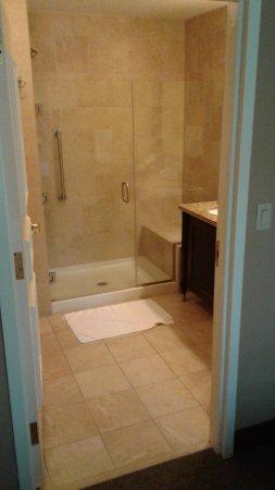 Embassy Suites by Hilton Savannah: TA_IMG_20170826_162417_large.jpg