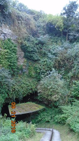 County Kilkenny, Irlanda: Cave entrance