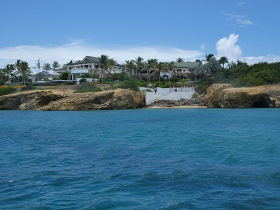 Oyster Pond, St. Maarten: One of the many nice homes on Anguilla